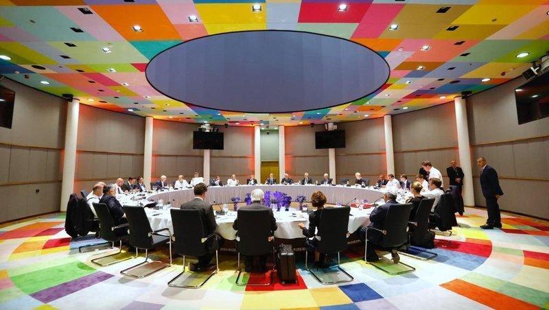 جلسه 14 ساعته سران اروپا ناتمام ماند ، روسای پست های کلیدی اتحادیه انتخاب نشدند