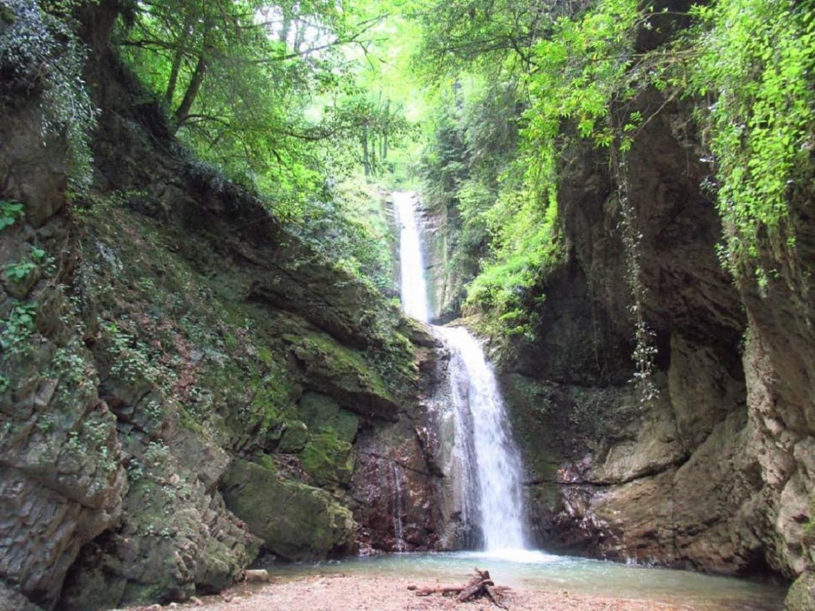 آبشار دارنو کجاست ؟ Darno Velerdeh Waterfall