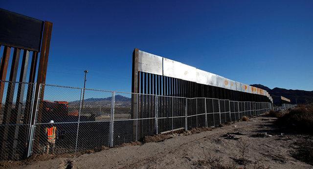 چندین پروژه نظامی آمریکا برای تامین هزینه ساخت دیوار مرزی با مکزیک لغو شدند