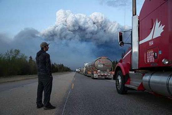 آتش سوزی کانادا بهای جهانی نفت را افزایش داد