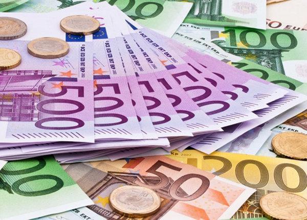 قیمت یورو کاهش یافت، نرخ 5 ارز ثابت باقی ماند