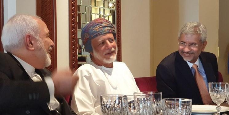 حضور ظریف و وزیر خارجه هند در ضیافت ناهار همتای عمانی