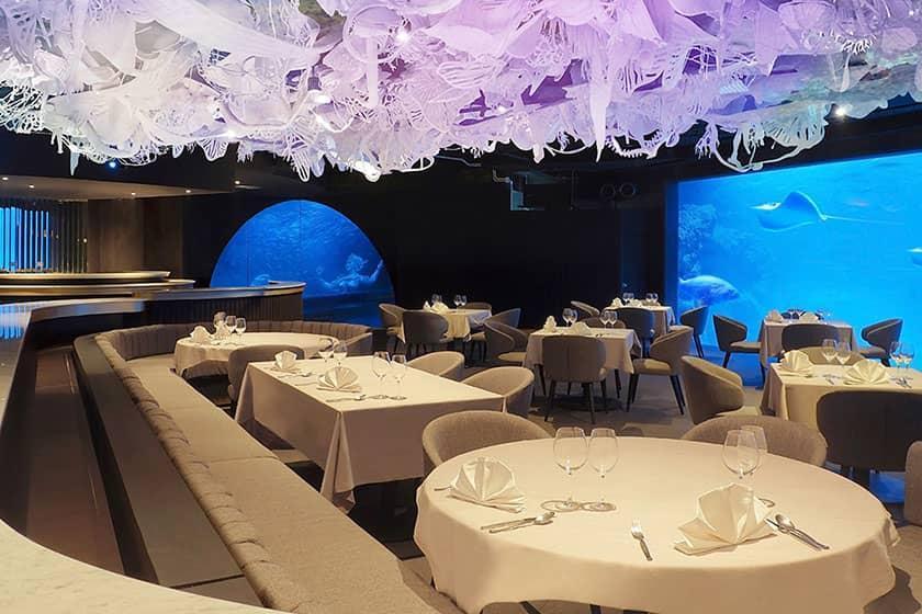 افتتاح بزرگ ترین رستوران زیر آب دنیا در تایلند