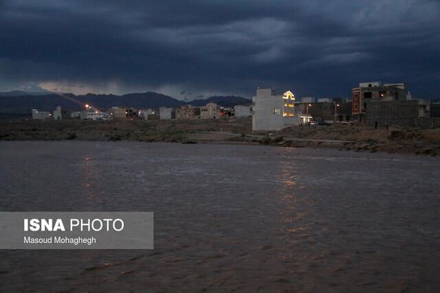 اخطاریه سازمان هواشناسی درباره سیلابی شدن رودخانه ها و لغزندگی جاده ها