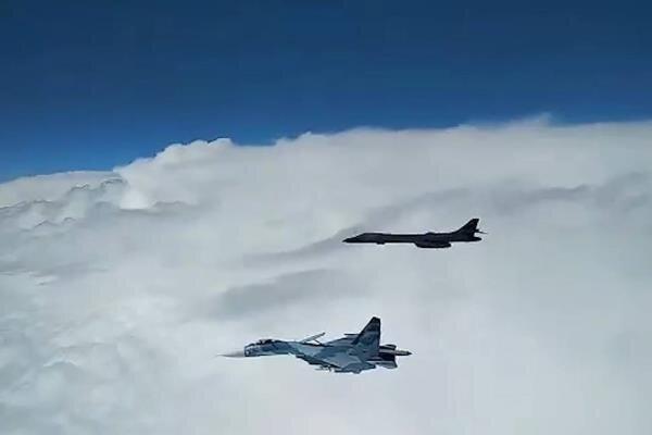 روسیه بمب افکن های آمریکایی را رهگیری کرد