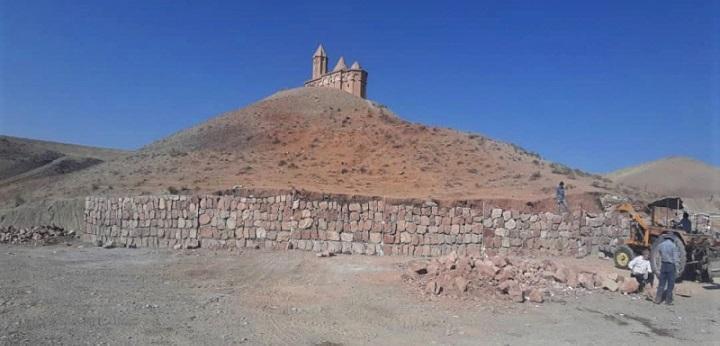 بازسازی، سامان دهی و اجرای دیوار حائل کلیسای تاریخی سُهرل