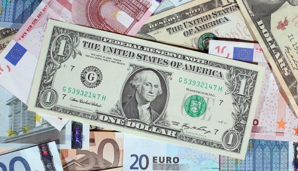 آخرین قیمت دلار پیش از امروز 30 اردیبهشت ، پیش بینی ها از بازار دلار چیست؟