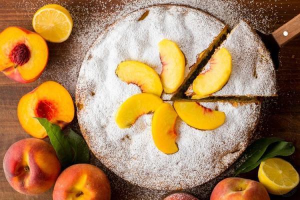 طرز تهیه کیک هلو، عصرانه ای دلچسب و خوشبو